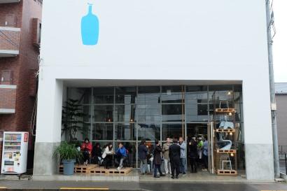 Exterior of Blue Bottle Coffee Kiyosumi-Shirakawa Tokyo Japan