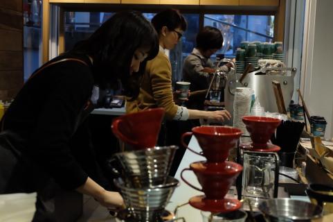 Sarutahiko Coffee Omotesando cafe barista Tokyo Japan